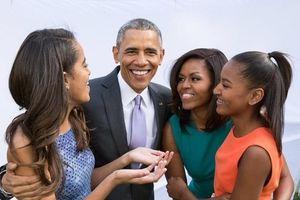 Bà Michelle Obama hé lộ hành trình làm mẹ đầy khó khăn, hai con thụ tinh ống nghiệm