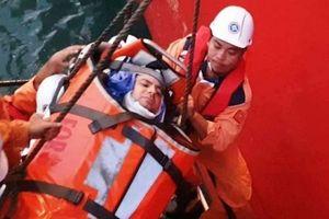 Cứu nạn thuyền viên Ukraine gặp nạn trên biển Việt Nam