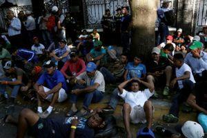 Ông Trump ký sắc lệnh chặn dòng người di cư từ Trung Mỹ