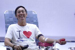 Gần 100 người tham gia hiến máu tình nguyện