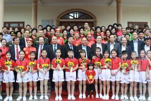 Thủ tướng Chính Phủ Nguyễn Xuân Phúc dự ngày Hội đại đoàn kết toàn dân tộc tại thôn Nội Ninh