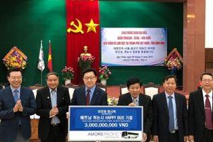 Amorepacific trao tặng 'Xe buýt hạnh phúc' cho thành phố Quy Nhơn