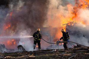 Ban Quản lý lao động Việt Nam tại Hàn Quốc hỗ trợ nạn nhân vụ nổ