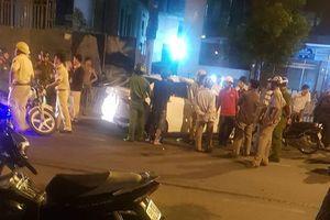 Bị CSGT truy đuổi, 2 thanh niên vứt ma túy, súng xuống đường ở TP.HCM