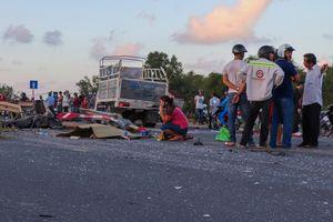 Tai nạn liên hoàn giữa 3 xe tải và 2 xe máy, 1 người thiệt mạng