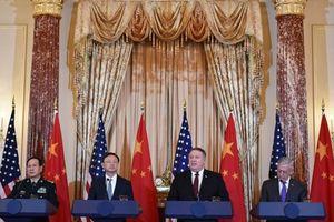Mỹ thúc Trung Quốc ngừng quân sự hóa Biển Đông, Trung Quốc đòi Mỹ ngừng điều tàu