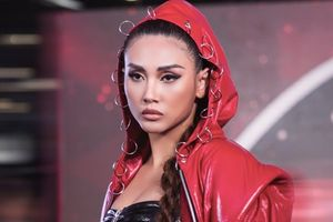 Siêu mẫu Võ Hoàng Yến hóa 'nữ hoàng boxing' nổi loạn