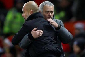 Guardiola 'cảm thương' Mourinho trước trận derby Manchester