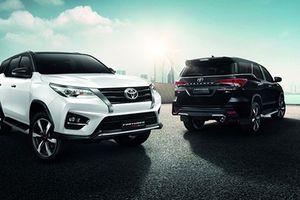 'Soi' Toyota Fortuner TRD Sportivo mới giá từ 1,19 tỷ