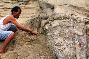 Phát hiện công trình nghi mộ cổ của người Chăm