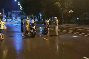 Vụ thiếu úy CSGT ngã khi giải quyết va chạm giao thông: Báo cáo công an tỉnh