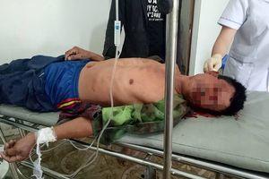 Người đàn ông bị chấn thương sọ não sau khi 'bay' vào kính xe tải