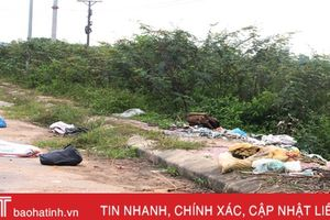 Sau điều chỉnh giá, thị trấn Cẩm Xuyên chật vật xử lý rác 'vô chủ'!