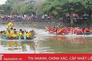 Đua thuyền trên sông Cụt nhân ngày hội Đại đoàn kết toàn dân