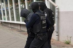 300 cảnh sát truy kẻ đào hầm ngầm lấy tiền vàng tại bảo tàng