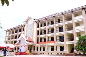 Khánh thành trường học là quà tặng của Tổng Bí thư cho Lào