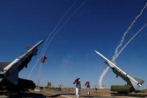 Israel có mạo hiểm dội bom Syria trước lá chắn bảo vệ S-300?