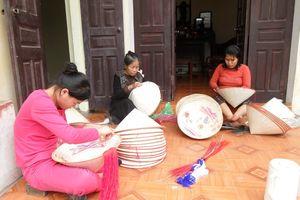 Làng Chuông và những trăn trở bảo tồn nghề làm nón truyền thống