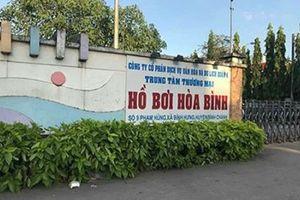 Đi tập bơi cùng con trai, mẹ bị ngạt nước tử vong dưới hồ bơi ở Sài Gòn