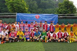 Giao lưu bóng đá Lotte, quyên góp 100 triệu đồng tặng người nghèo