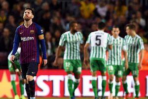 Messi trở lại lập cú đúp, Barcelona vẫn thua cực sốc