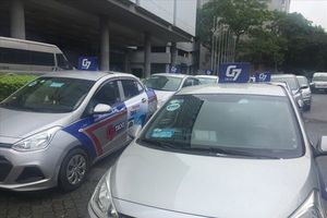 Hà Nội ra mắt taxi công nghệ cạnh tranh 'gã khổng lồ' Grab