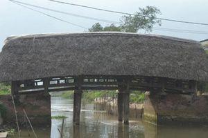 Điều ít biết về cây cầu lợp mái lá 'độc nhất vô nhị' ở Việt Nam