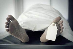 Chuyện lạ hôm nay: Đang đám tang, cụ ông sống lại nhờ... nước lạnh