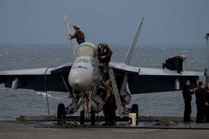 Tiêm kích Mỹ rơi xuống biển, 2 phi công bật dù thoát nạn