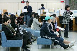 Nhiều người trẻ Hàn Quốc tự cô lập sau khi không tìm được việc làm