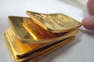 Giá USD tăng, vàng trượt giảm
