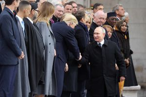 Quan hệ nồng ấm bất ngờ giữa tổng thống Nga và Mỹ