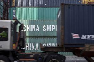 Trung Quốc hối hả xuất khẩu sang Mỹ trước giờ G
