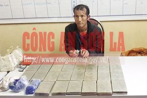 Bắt đối tượng chuyển 30 bánh heroin vào thủ phủ ma túy Lóng Luông