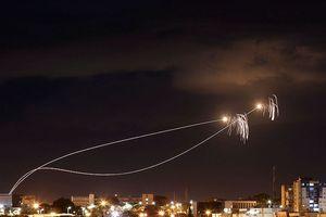 Israel hứng loạt tên lửa, Thủ tướng Netanyahu tức tốc về nước