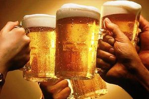 Đại biểu Quốc hội: 'Cấm ép' rượu, bia trong mọi trường hợp