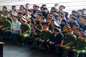 Danh tính 92 bị cáo trong vụ đánh bạc khủng liên quan đến 2 cựu tướng công an