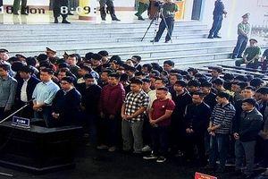 Những hình ảnh đầu tiên trong phiên xử ông Phan Văn Vĩnh cùng hơn 90 bị cáo
