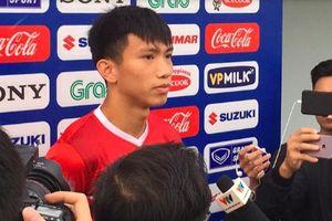 Đoàn Văn Hậu tiết lộ cuộc nói chuyện với HLV Park Hang-seo khi bị thẻ vàng trận Lào