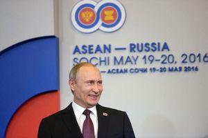 Ông Putin 'xoay trục' sang châu Á giữa vòng kiềm tỏa của phương Tây