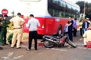 Hà Nam: Va chạm với xe khách nam thanh niên tử vong tại chỗ