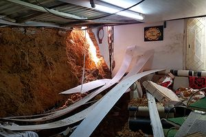 Lâm Đồng: Một gia đình thoát chết sau vụ sạt lở gây sập nhà