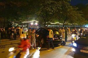 Ô tô Audi gây tai nạn liên hoàn, 2 người bị thương nặng