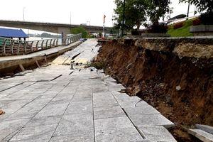 Cận cảnh bờ kè đê sông Mã gần chân cầu Hàm Rồng bị sạt lở nghiêm trọng