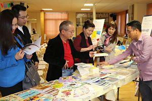 Giới thiệu sách Việt tới người Việt tại Séc