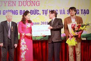 Thêm 50 triệu đồng từ quỹ Học bổng 'Swing for the Kids' của báo Đầu tư đến với học sinh tại Quảng Ninh
