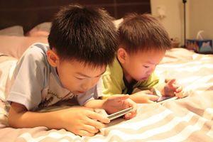 Điện thoại làm trẻ em tinh thần bất ổn, kiểm soát bản thân kém