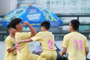 Lịch 8 trận quyết đấu vòng 1/16 giải bóng đá học sinh chiều 14-11