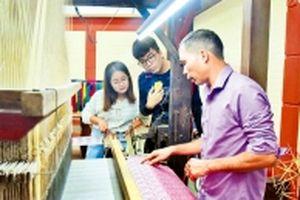 Tuần lễ Văn hóa làng nghề Vạn Phúc