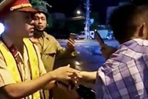 Vụ 'CSGT ngã ngửa': Thiếu úy Linh xin nghỉ phép vì bị 'sốc'?
